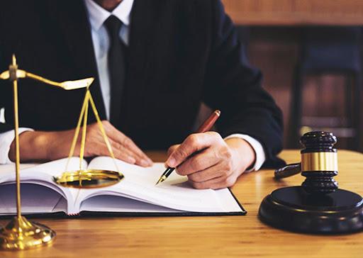Чи можна заощадити на Юридичних Послугах?